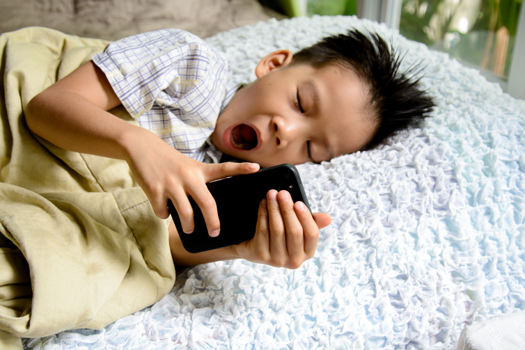 Wired and tired: why parents should take technology out of ...
