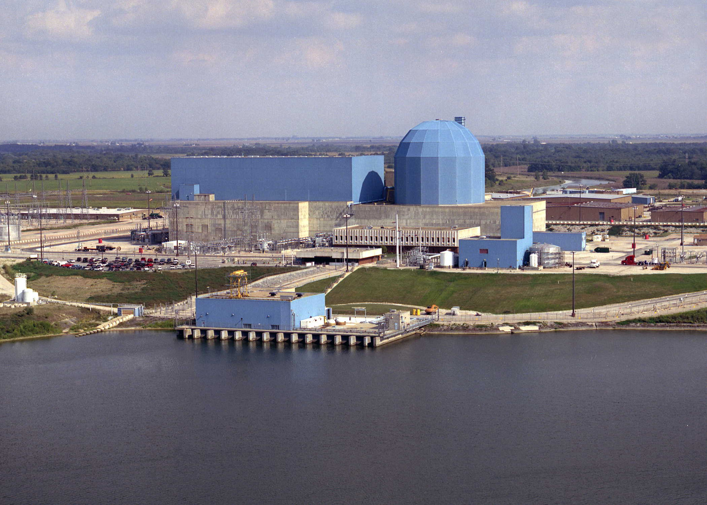 as nuclear power plants close states need to bet big on energy  moving away from nuclear power