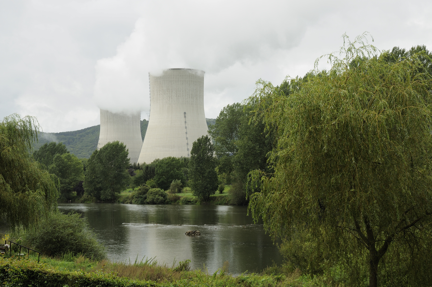 France's EDF to decide on divisive UK nuclear power plant