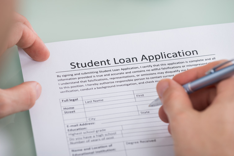 most students borrow for college but are they financially  how students make borrowing decisions