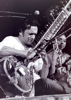 Ravi Shankar popularised the sitar in the West. CC BY