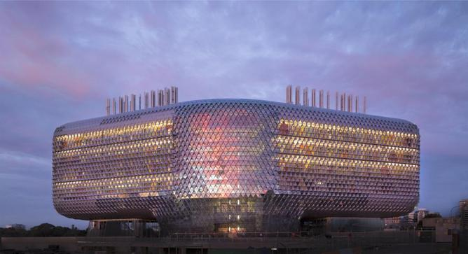 Adelaide 39 s sahmri building offers a glimpse of a greener for Architects adelaide