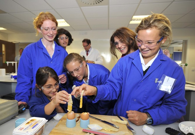 Girls Are Kept Out Of Science Jobs By Unhelpful Stereotypes