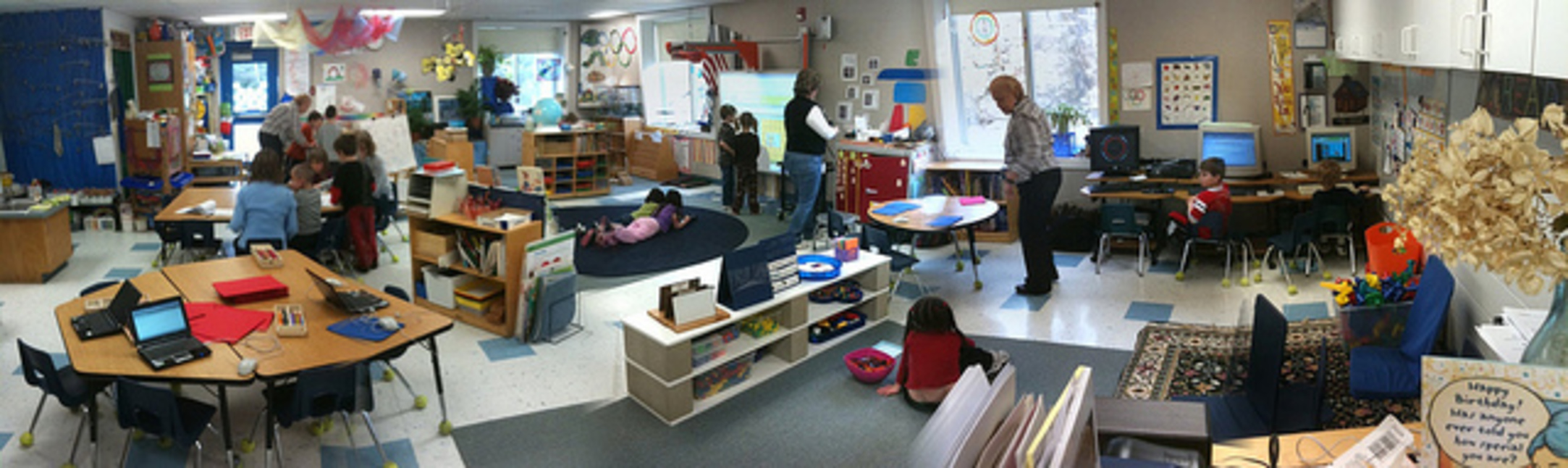 Open Classroom Design ~ Students struggle to hear teacher in new fad open plan