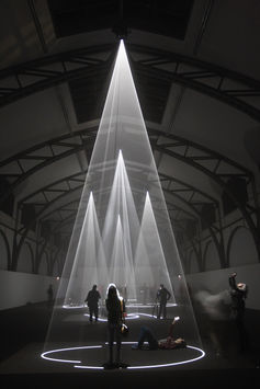 Anthony McCall installation, Five Minutes of Pure Sculpture. Image courtesy of the artist and Dark Mofo 2015